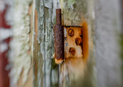 Rusty window hinges